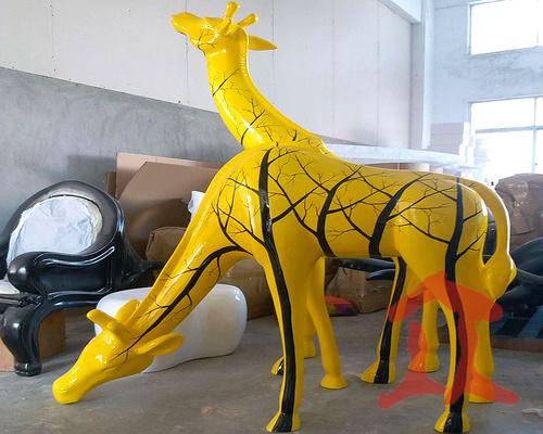 玻璃钢长颈鹿雕塑造型